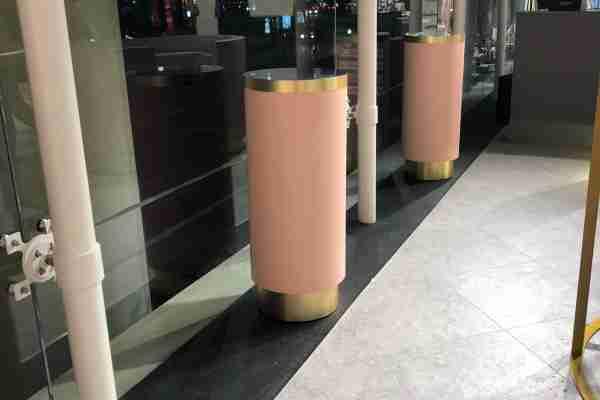 Mesas de pé, redondas