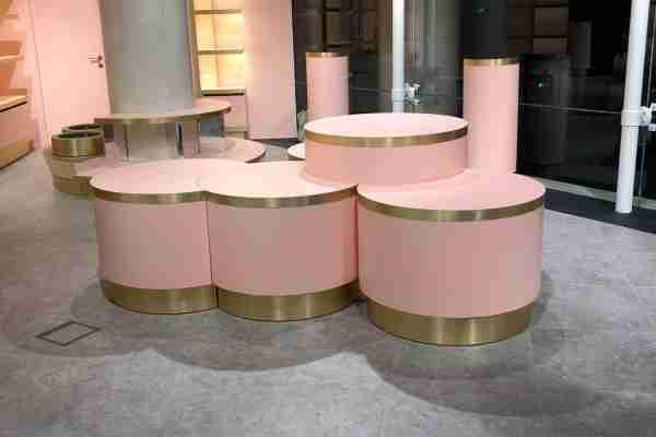 conjunto de mesas redondas